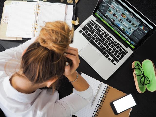 vrouw met last van stress